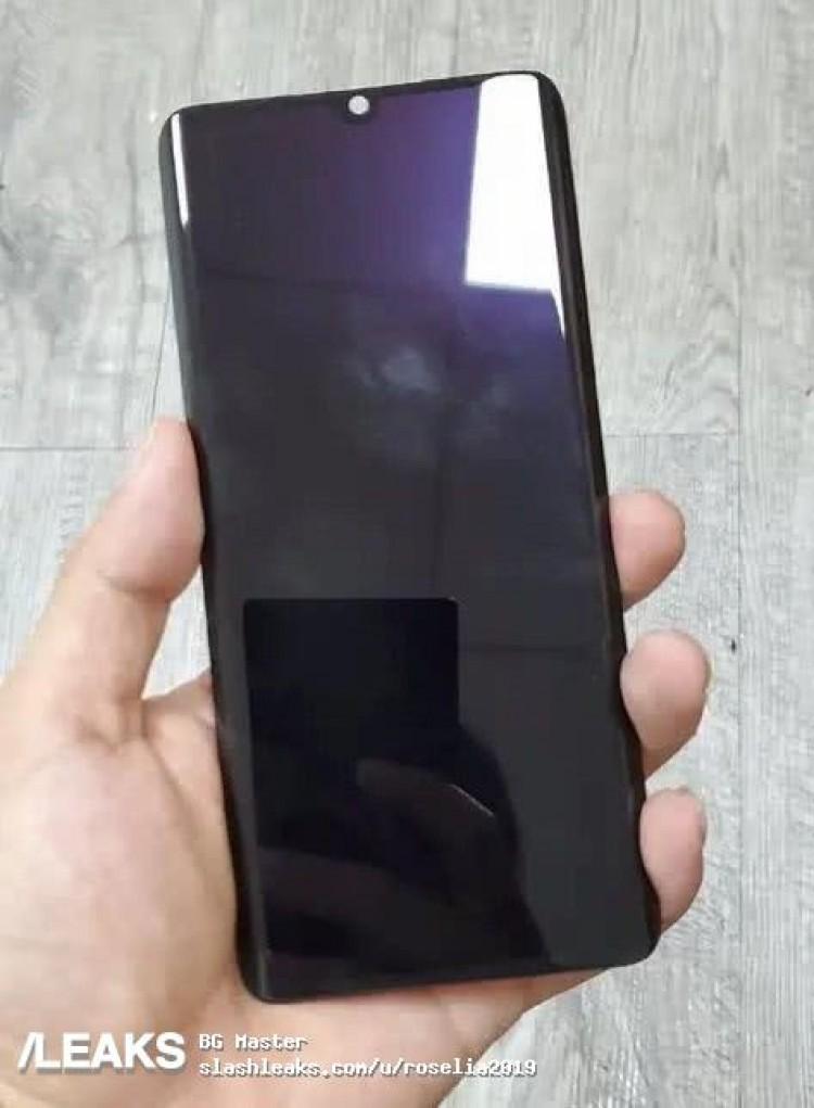 Xiaomi CC9 Pro позирует на рекламном тизере и живом фото